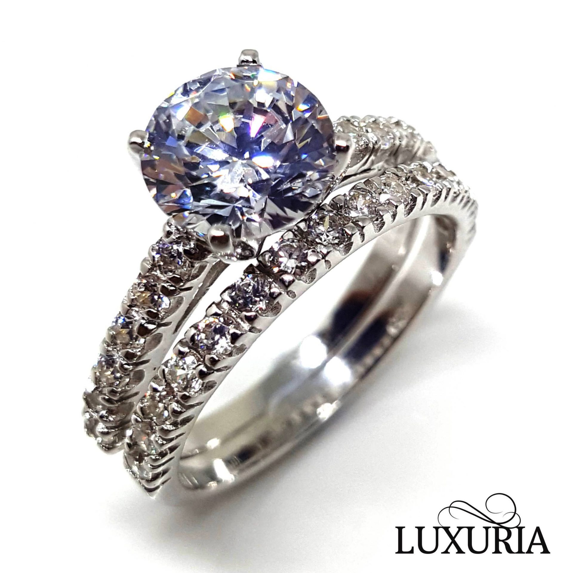 Luxuria D'PROMESSO cubic zirconia engagement rings
