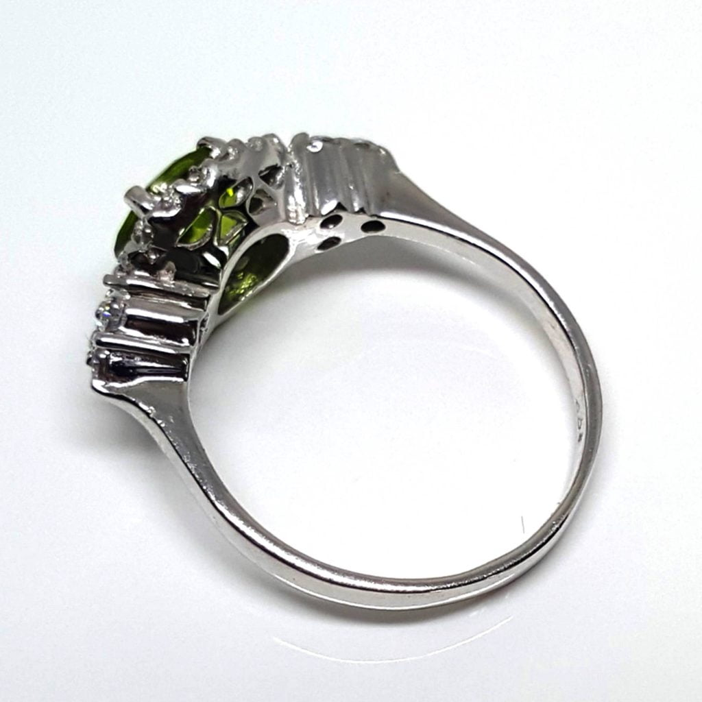 LUXR125-2 Luxuria peridot birthstone rings august birthstone rings