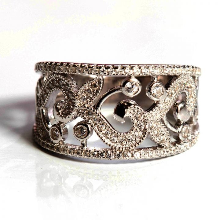 LUXR132-3 Luxuria filigree diamond ring with swirling leaf pattern