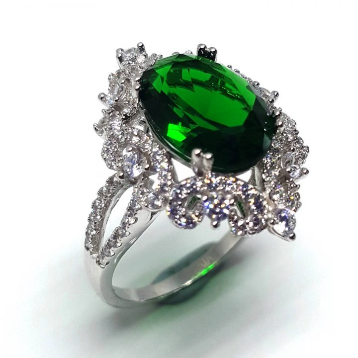 LUXR146-4 Luxuria statement rings green emerald color