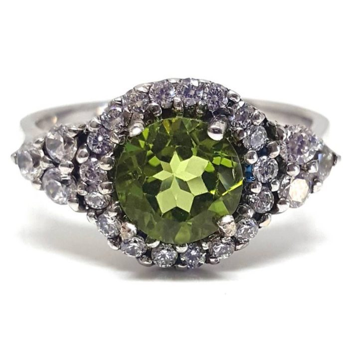 LUXR125 Luxuria fake engagement ring with real peridot gem gemstone