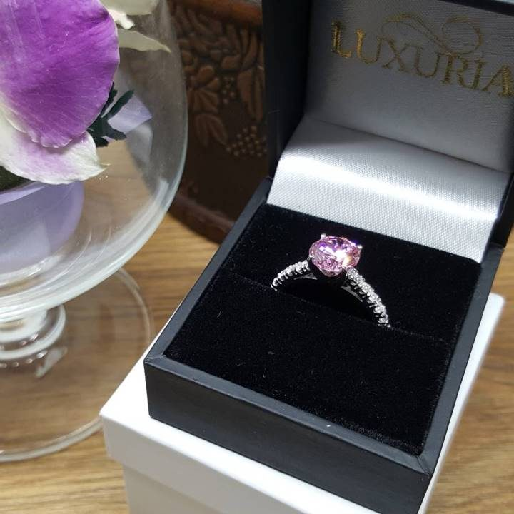 LUXR150 round star cut engagement ring in deluxe leatherette box