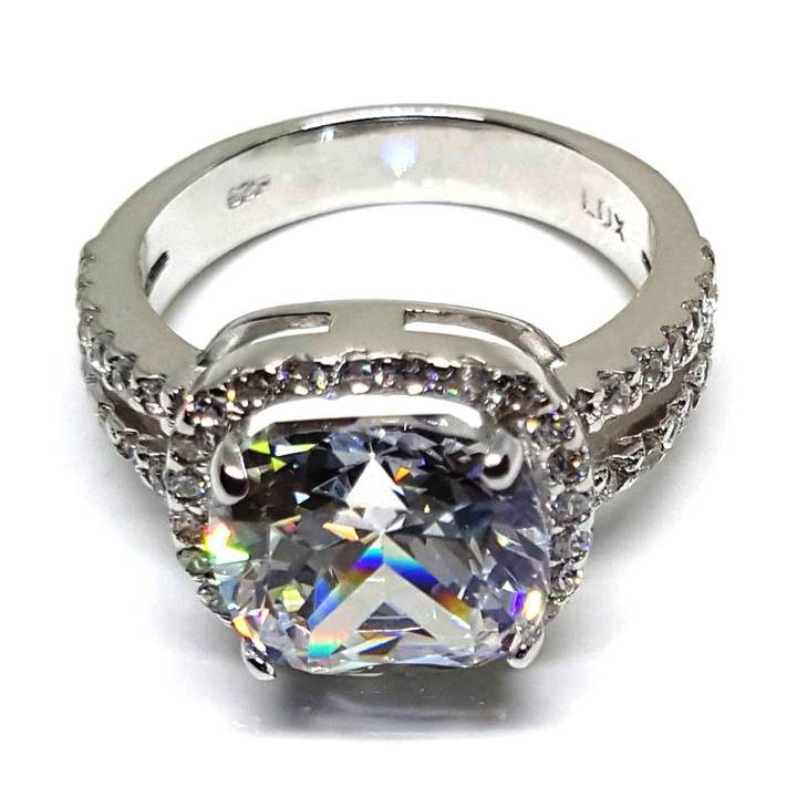 LUXR156 LUX Hallmark Best fake engagement rings that look real. Luxuria