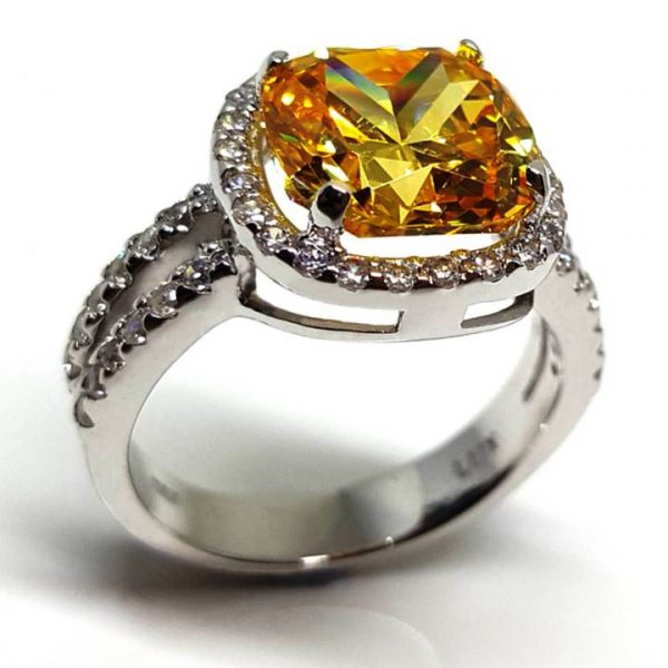 LUXR158 Square shaped, cushion cut yellow diamond - Best fake diamond rings
