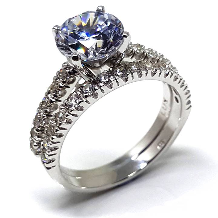 Luxuria - Diamond Simulant Engagement rings that look real - Homepage