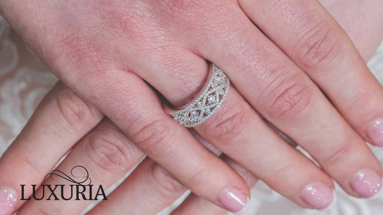 Luxuria LUXR131 - Exquisite filigree engagement rings from Luxuria Jewellery