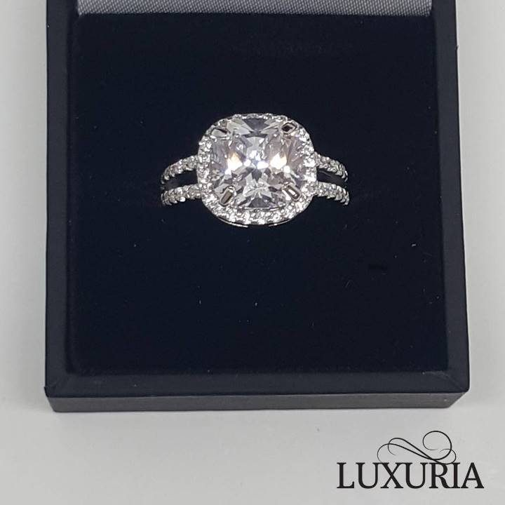 Luxuria LUXR156 imitation diamond engagement ring