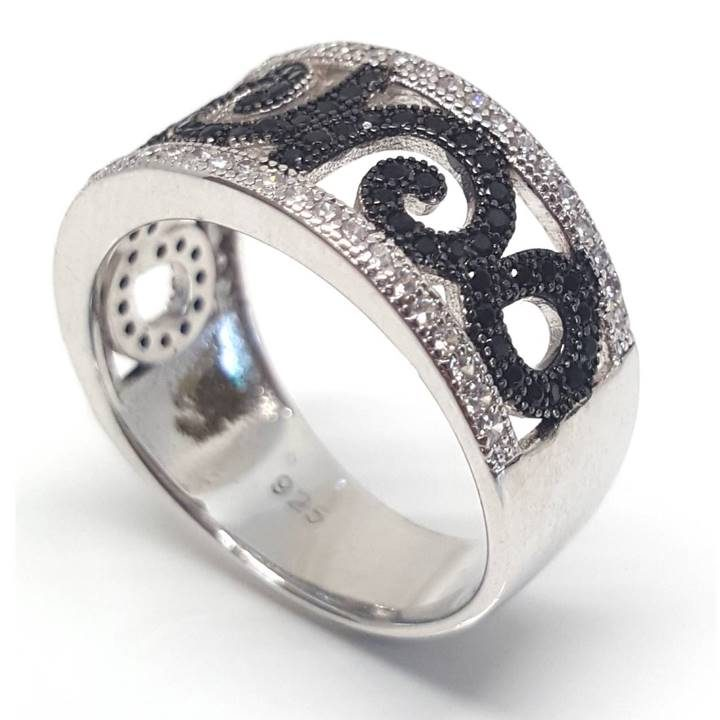 Luxuria Unfurling fern leaf pattern ring from Luxuria NZ is inspired by nature. Set in 925 silver with black rhodium koru shape.