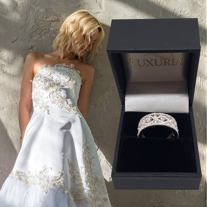 Luxuria fake wedding rings that look real with deluxe ring box
