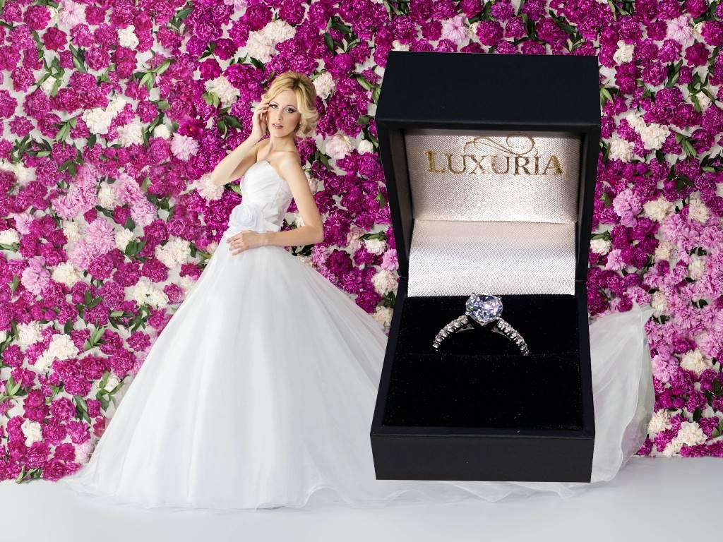 Simulants by Luxuria Diamonds - flawless diamond simulant rings