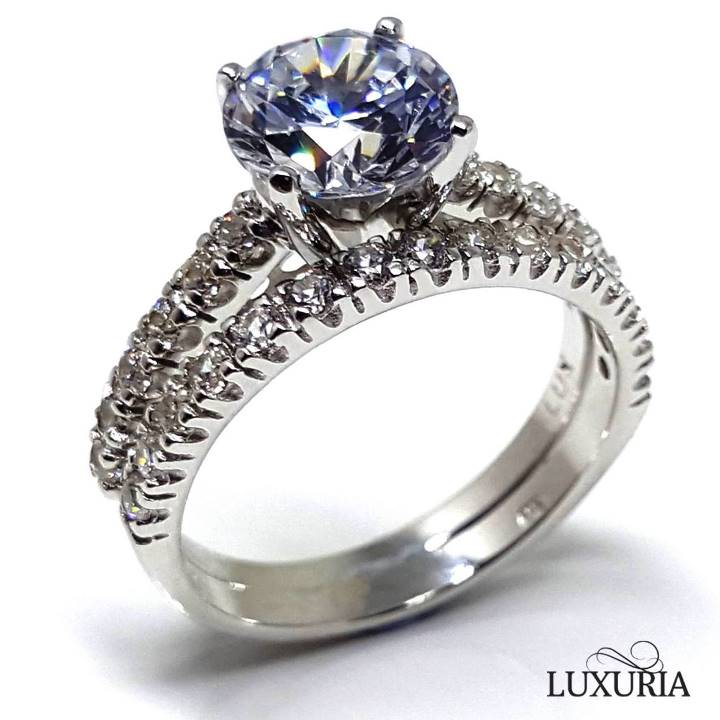 Cubic zirconia engagement rings from Luxuria Jewellery