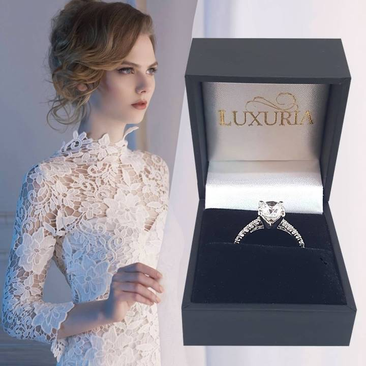 Diamond simulant engagement ring that looks real from Luxuria
