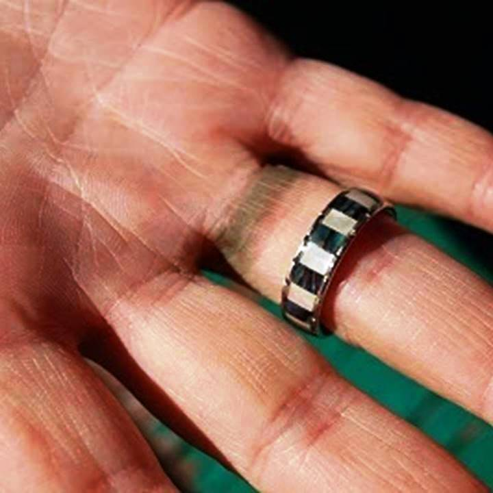 Avoid cheap silver rings - photo of green finger