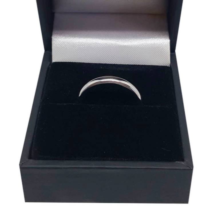 Comfort fit silver wedding band with deluxe ring box Luxuria