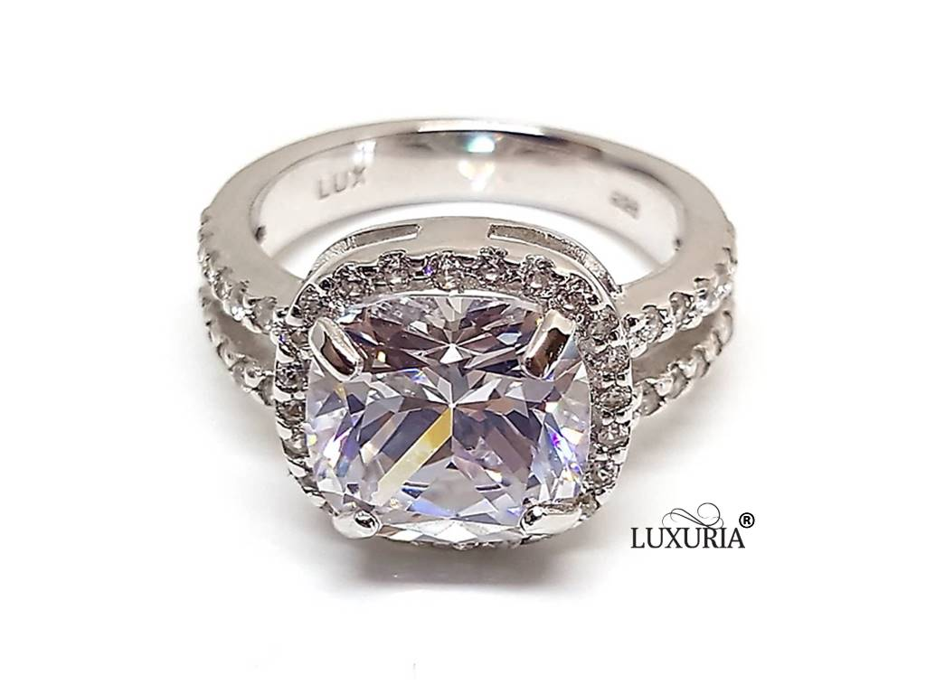 Fake Diamond Rings That Look Real From Luxuria Diamonds