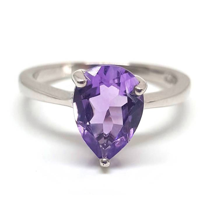 Poorly cut amethyst may feature a window or windowing typically in the gemstone centre