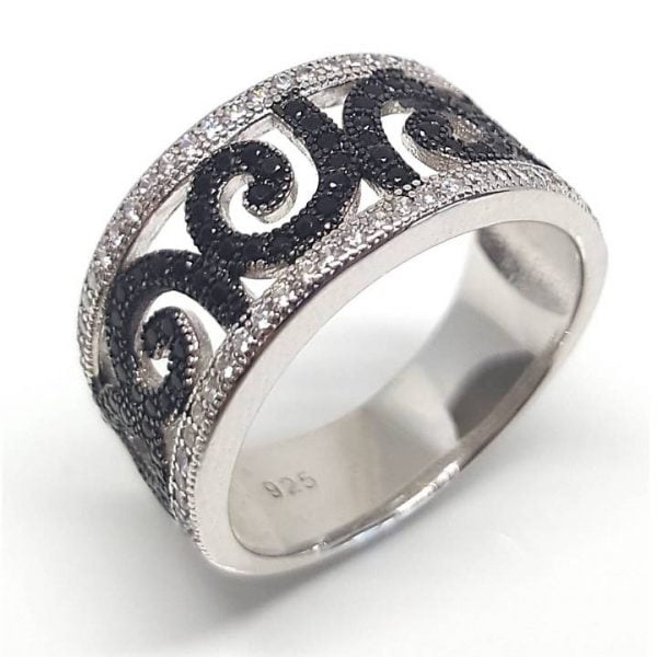 Koru leaf pattern silver ring from Luxuria NZ