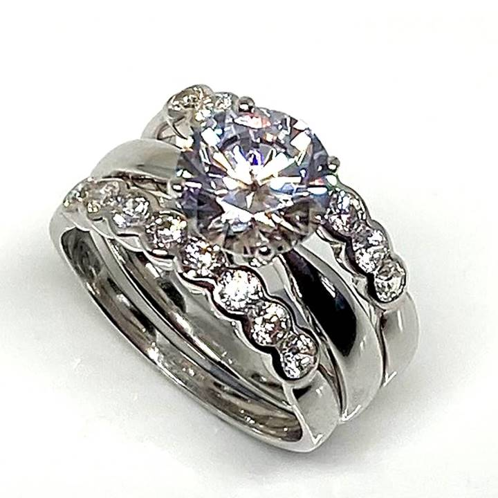 Is it ok to buy a fake engagement ring LUXURIA