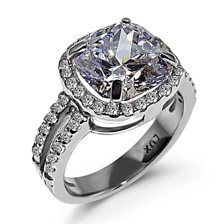 Best fake diamonds LUXURIA
