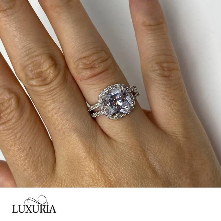 Fake engagement rings that look real LUXURIA